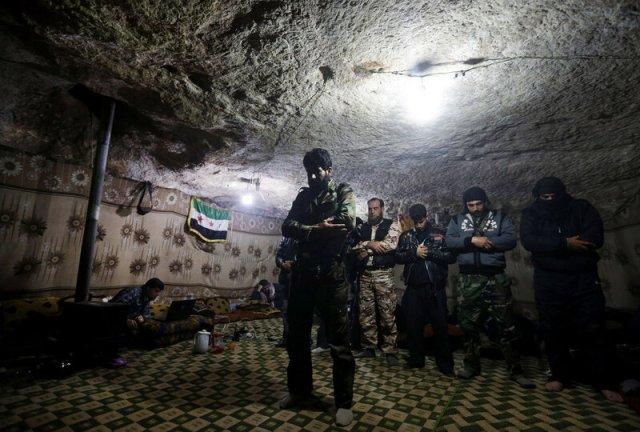 Молитва в печері