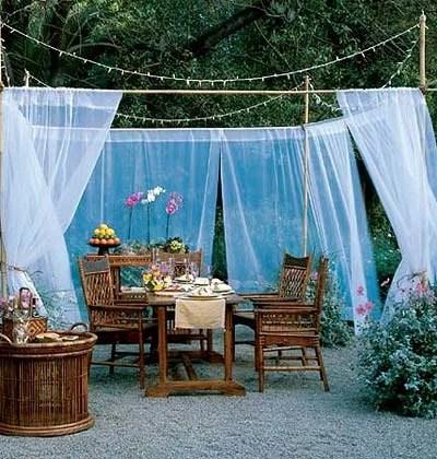 открытая комната в саду