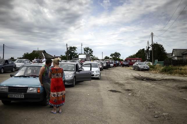 Українські прикордонники відійшли на російську територію в «Ізварине»