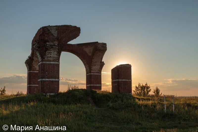 Руины церкви Бориса и Глеба в городище Старая Рязань