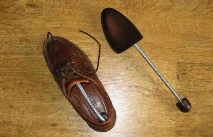 Газета и обувь
