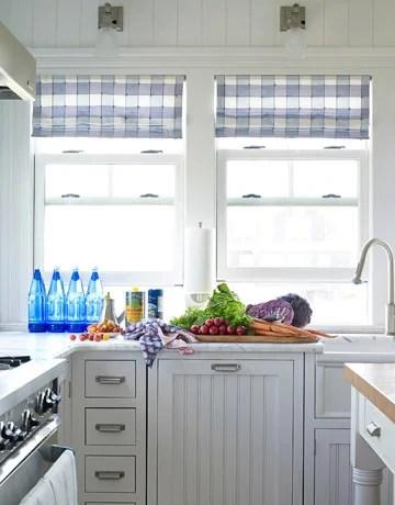 кухня в бело-голубой гамме