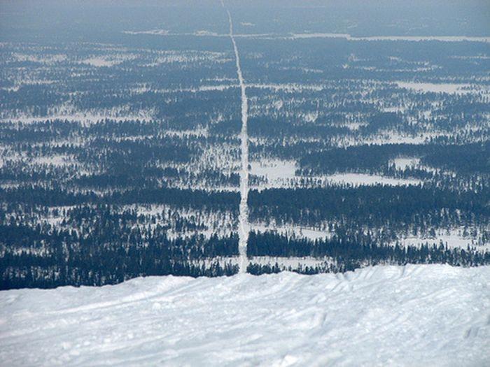 Самые необычные границы между странами мира