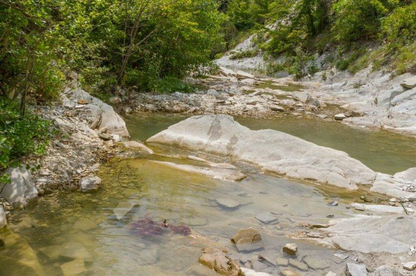 Каменистое дно, река Ачибс