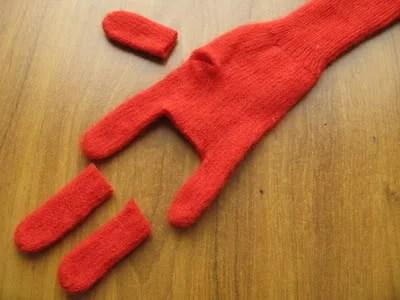 как сделать игрушку из перчатки