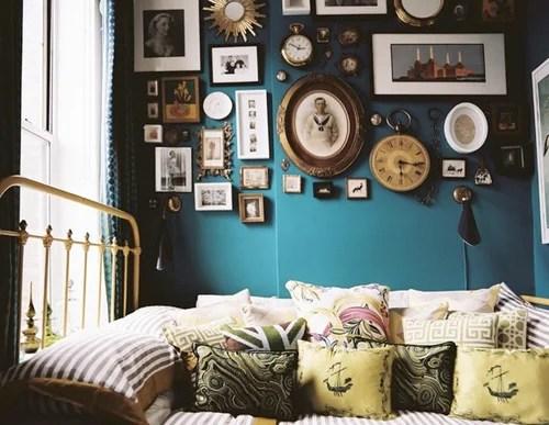яркая покраска стен