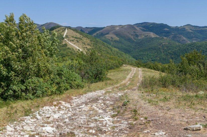 Дорога в горах, Кавказ