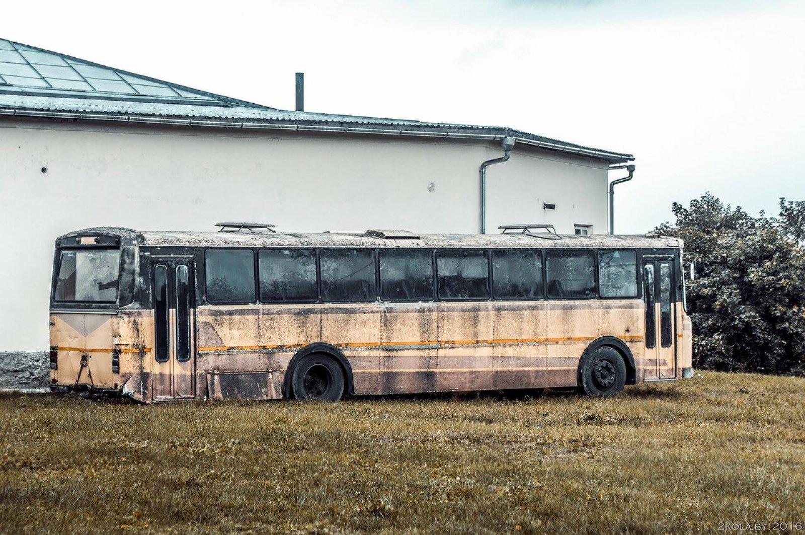 ржавый автобус. Поставы