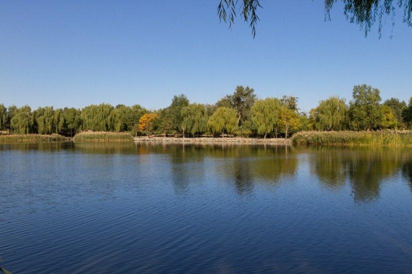 Озеро Хоухай, парк Юаньминъюань, Пекин