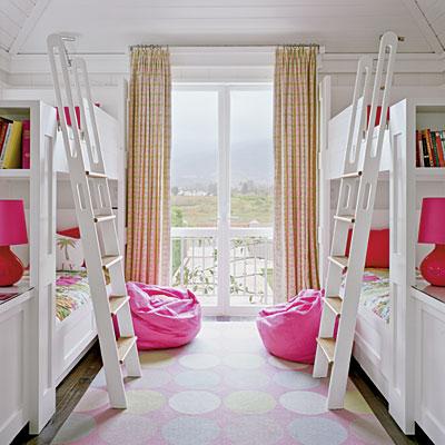 Детская спальня для девочек близнецов