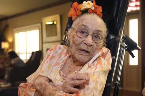 С 1 апреля самой старой женщиной планеты стала 116 летняя Гертруда Уивер