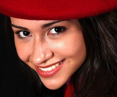 В моем рейтинге самых обворожительных красных шапочек ты занимаешь первую строчку!