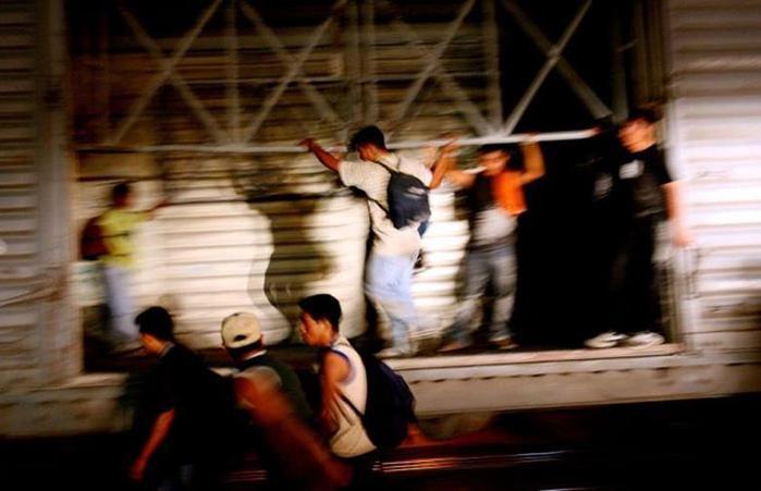 Смертельно опасное путешествие мексиканцев на поезде