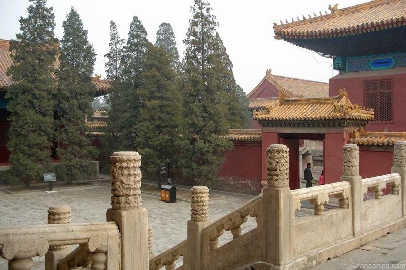 Двор около Храма Предков, Храм Императорских Предков, Пекин