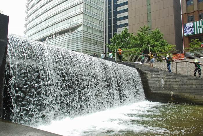 Голубая артерия Сеула   Экопроект восстановления реки Чхонгечхон