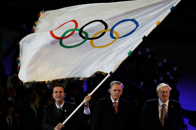 Передача олимпийского флага