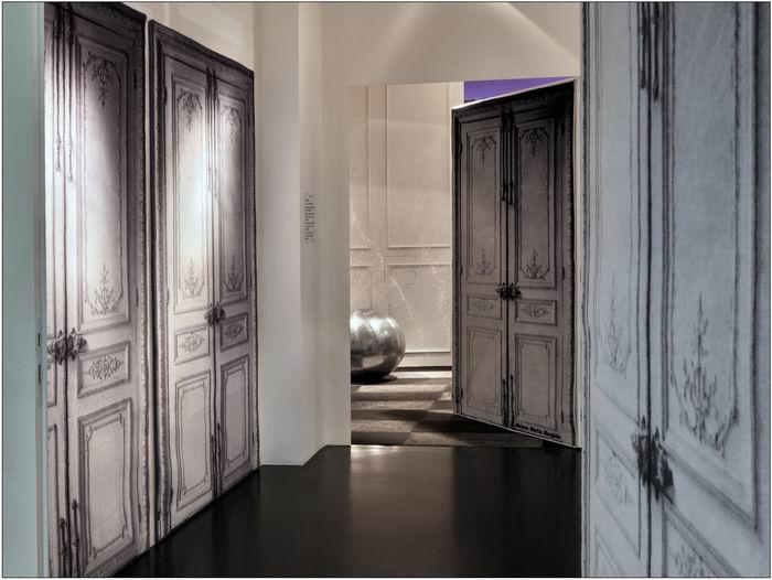 Maison Martin Margiela. Интерьеры модного дома. 64 фото