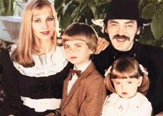 Семейная фотография Михаила Боярского