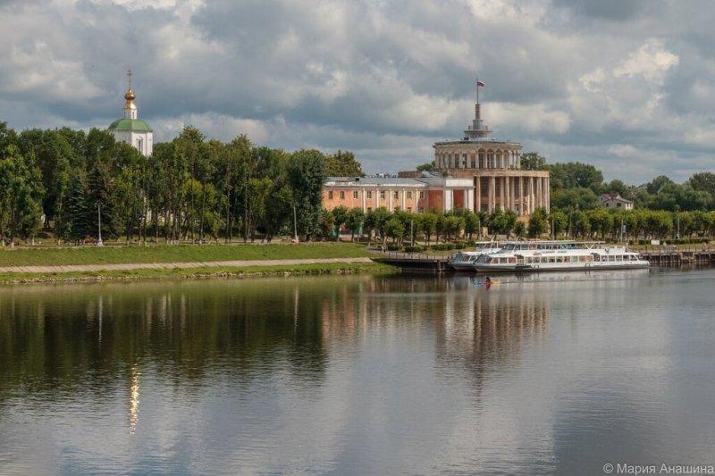 Речной вокзал и церковь Успения Пресвятой Богородицы, Тверь