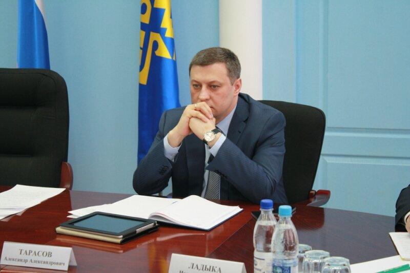 Александр Тарасов пошел в след за Бандаровым?