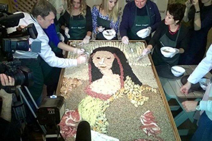 В Новокузнецке создали портрет «Джоконды» изветчины имидий