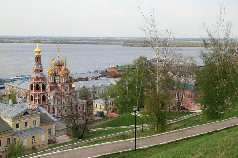 Строгановская церковь, откос на набережной Федоровского