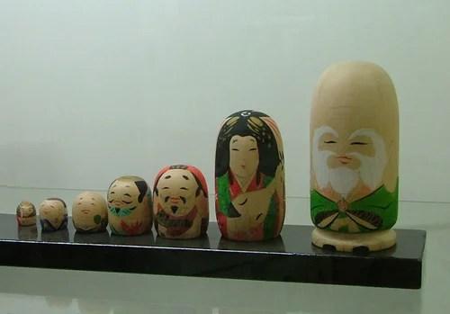 Набор кукол «кокеси». Дар господина Гэнки Нумата Музею матрёшки, 2009 г.