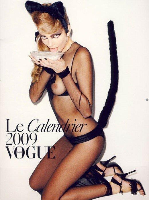 Провокационный календарь для журнала Vogue