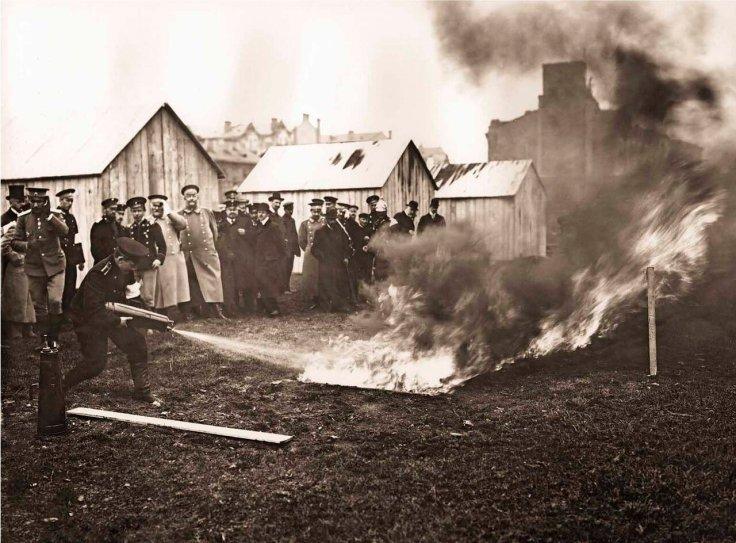 1909. Испытание огнетушителей. Из жизни пожарной службы