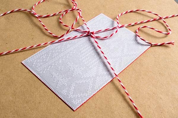 Рождественская упаковка. Свитера для шоколада. Агентство Willoughby