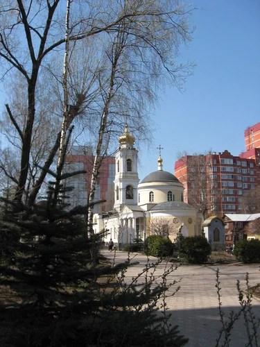 Гольяново. Храм Зосимы и Савватия