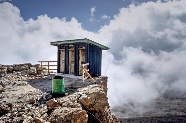 Фотографии самых невероятных туалетов мира