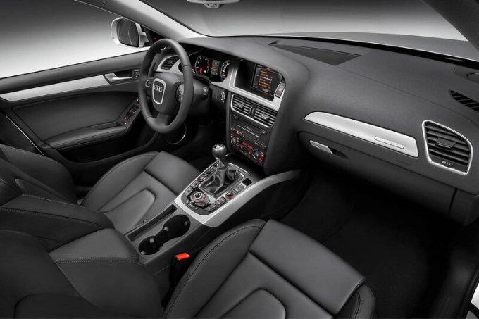 Салон Audi A4 Quattro