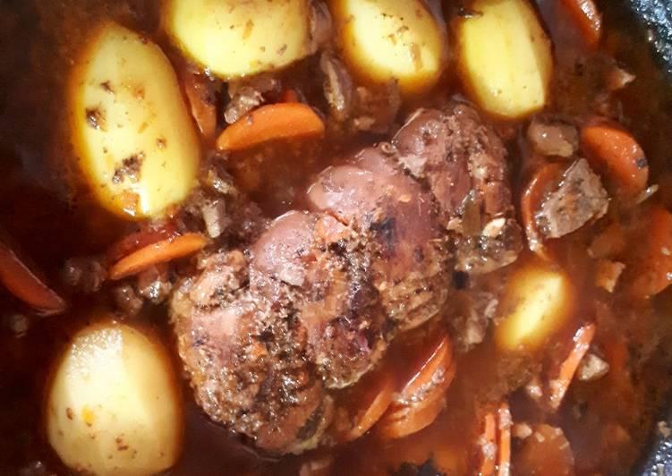 Roulade de lapin avec son foie en sauce