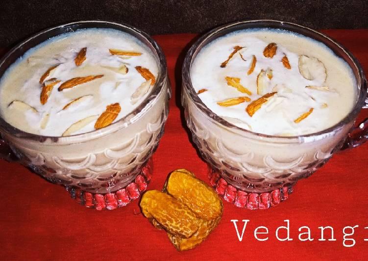 Dry Dates and Almond Milkshake