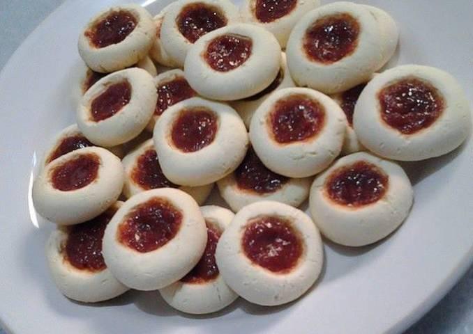Galletas con mermelada de guayaba
