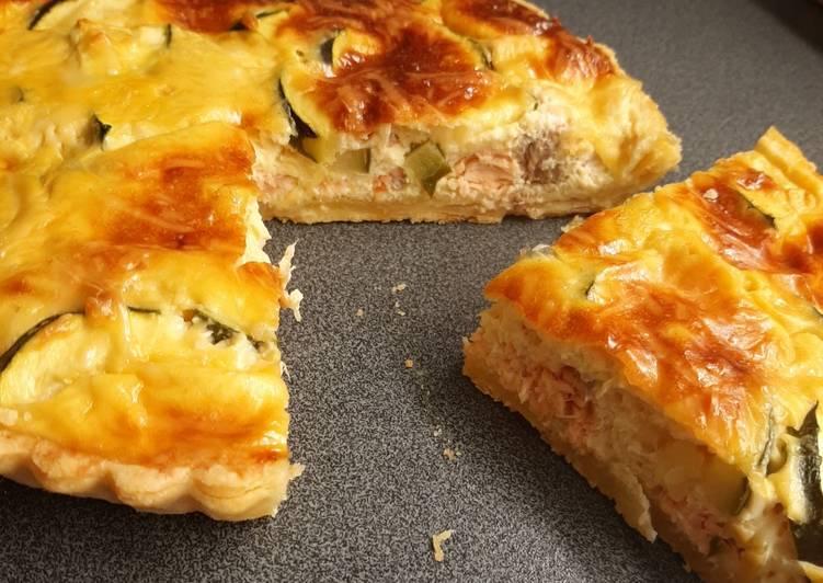 Quiche légère au fromage blanc, saumon frais et courgette