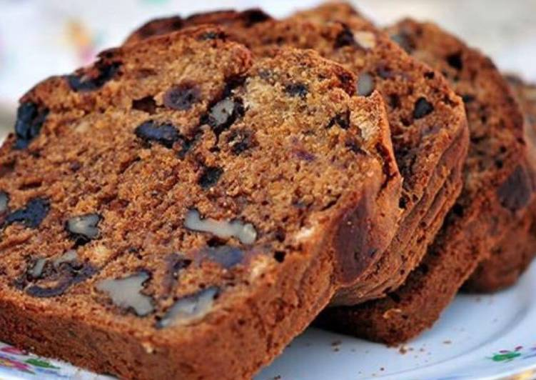 Whole wheat oats and dates cake