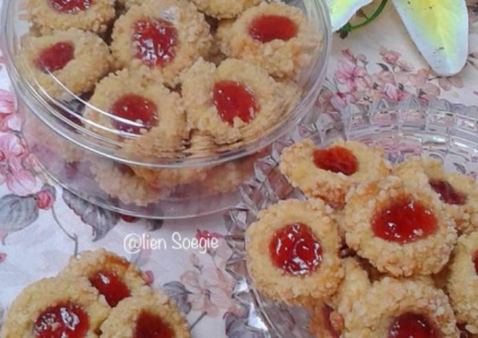 Resep Strawberry Thumbprint With Crumble Anti Gagal Kue Kering Com
