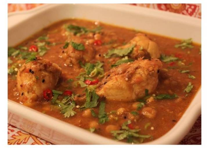 Lahori Murgh Channay – Lahori Chickpea and Chicken Curry