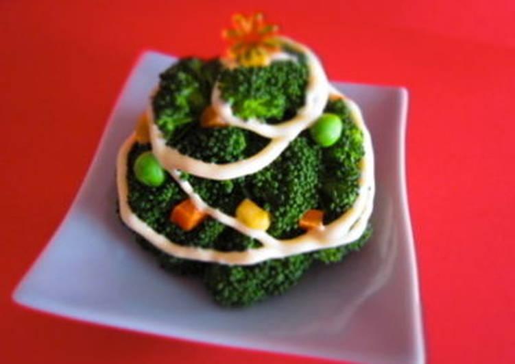 Broccoli Christmas Tree and Wreath