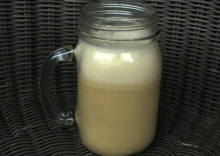 Teh Talua (Indonesian Eggnog)