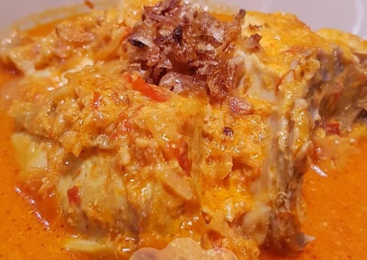 Gulai ayam masak serai khas madura