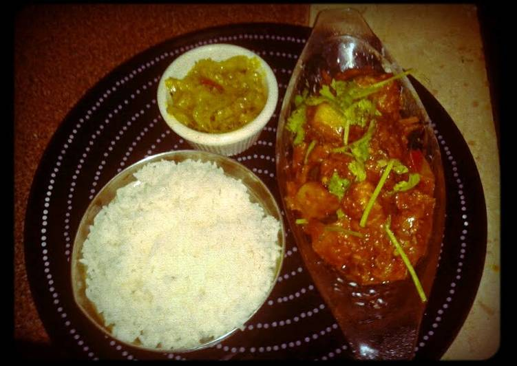 Spicy lanka fish with cabbage n hot steam white rice.  Warning! If u cant take spicy food, dont try this at hm..