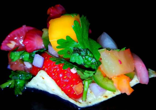Mike's Spicy Fruity Salsa