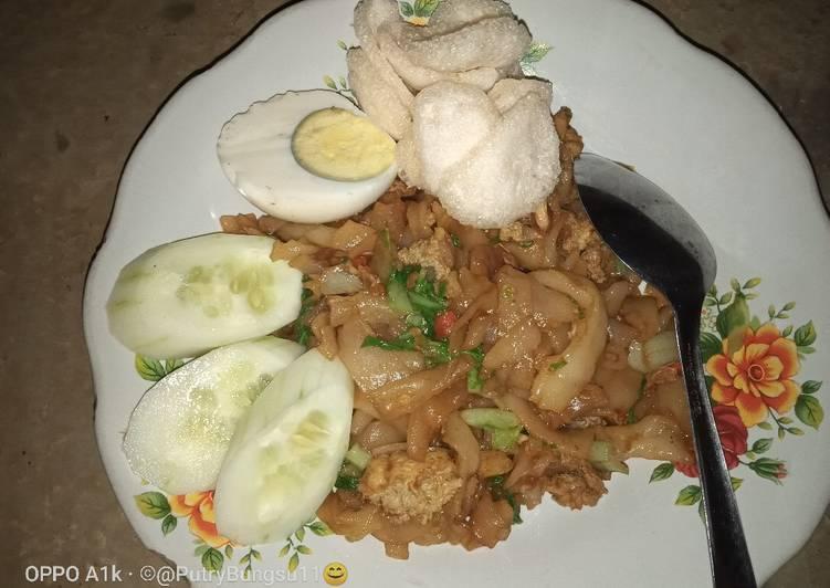 19. Mie tiaw goreng
