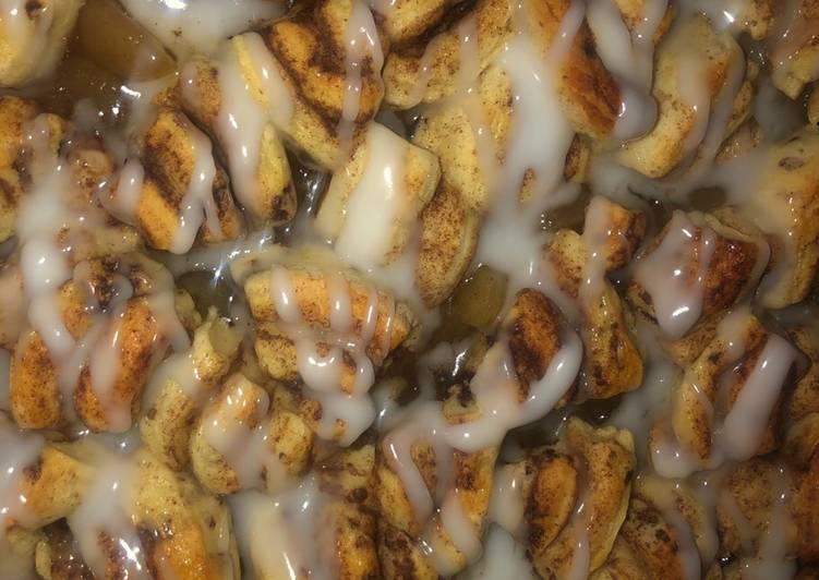Cinnamon roll apple pie breakfast casserole 🍎 SUPER EASY