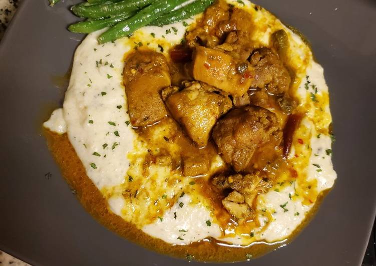Curried chicken & grits 🌶🌶🌶