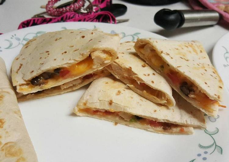 Chicken Quesadillas - simple, quick and so yummy!