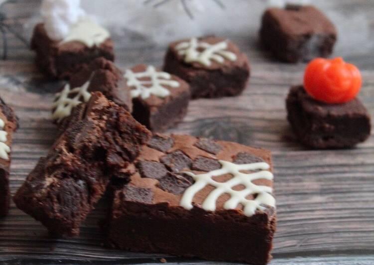 SPOOKtacular easiest brownie #halloween